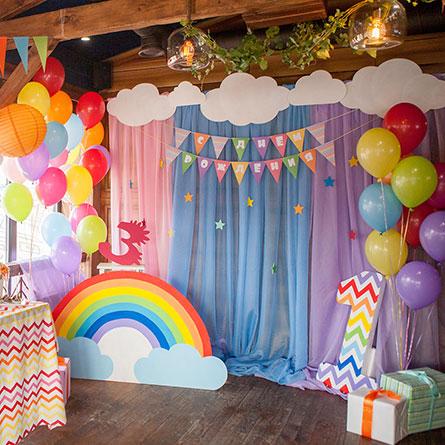 Фотозона 🌈 Детская фотозона в цвете радуги в ресторане Хуторок на Днепре 🍰 🎂 аренда в Киеве
