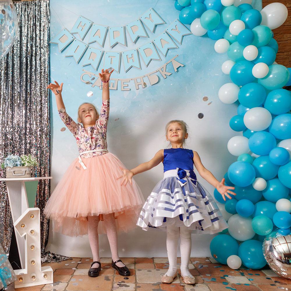 Фотозона 🎁 🎈 Фотозона на годик мальчику с волной из шаров в ресторане «Гриль-Хаус» 🎉🎀 аренда в Киеве