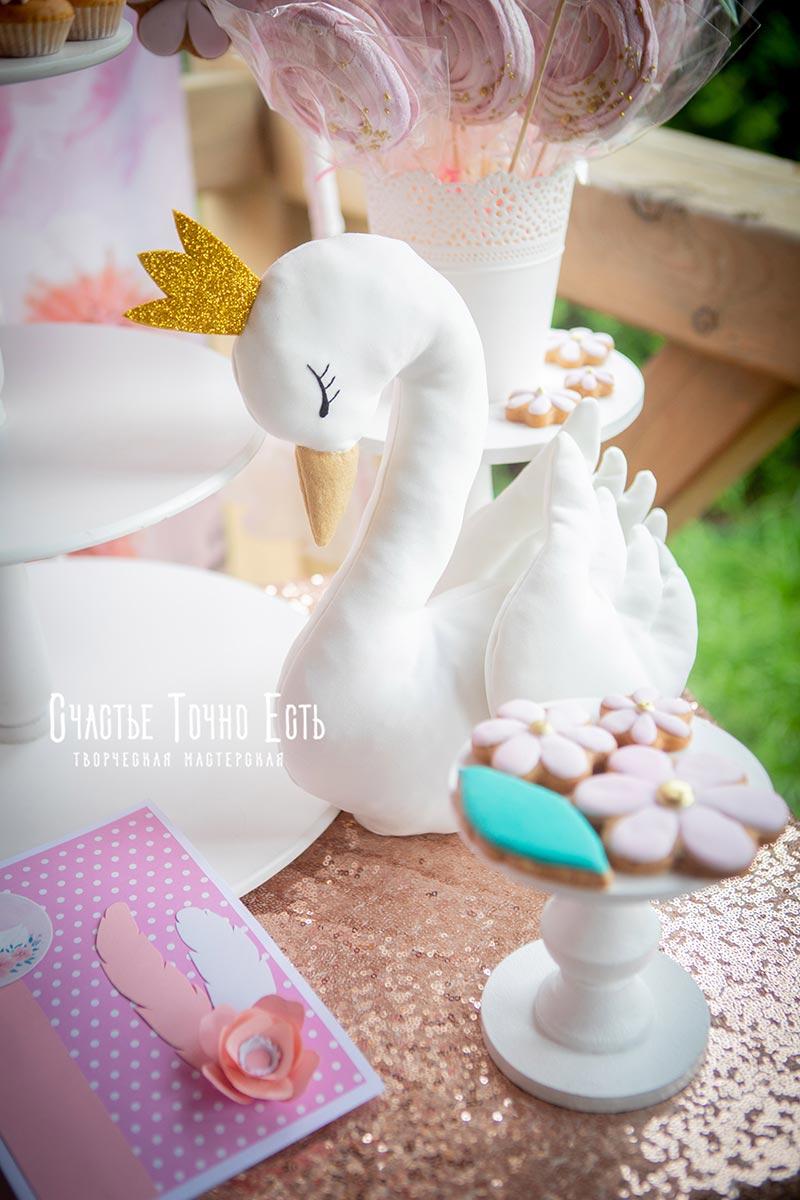 Пирожное Лебедь для кэнди бара